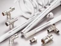 Какие трубы лучше для водопровода в квартире или на даче: металлопластик или полипропилен