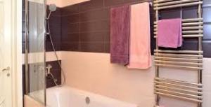 Установка полотенцесушителя в ванной своими руками