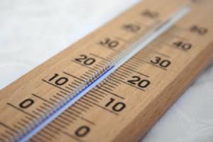 минимальная температура в квартире в отопительный